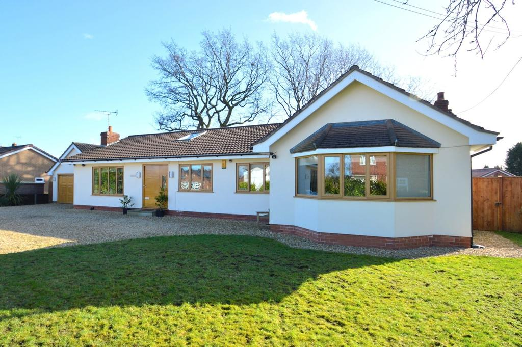 4 Bedrooms Detached Bungalow for sale in Pickmere Lane, Wincham