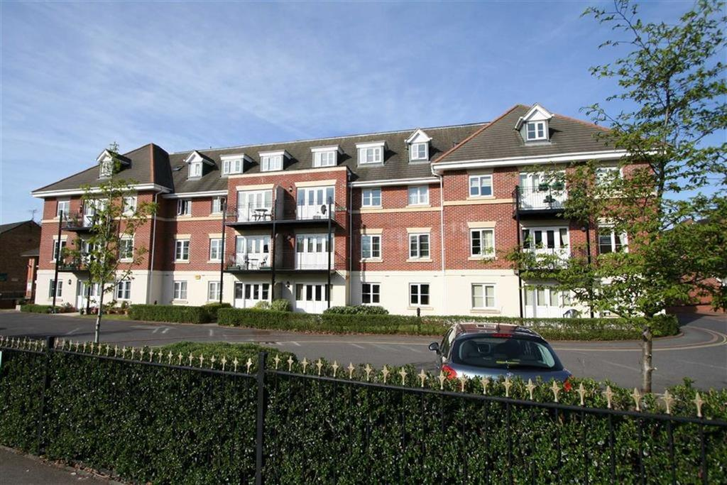 2 Bedrooms Flat for sale in Dean Place, 24 Hursley Road, Chandlers Ford, Hampshire