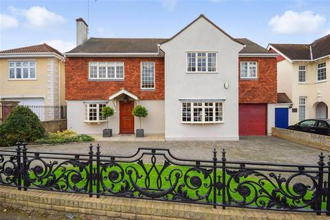 5 bedroom detached house for sale - The Avenue, Wanstead