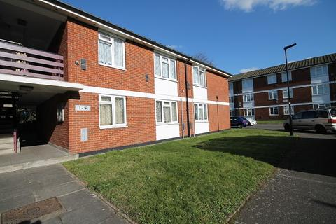 1 bedroom flat to rent - Blackthorn Court, Springwell Road, Hounslow, TW5