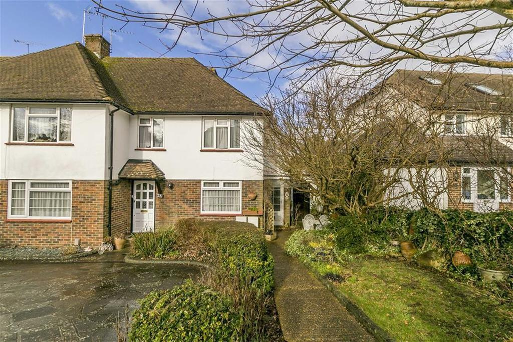 3 Bedrooms Maisonette Flat for sale in Shawley Crescent, Epsom, Surrey