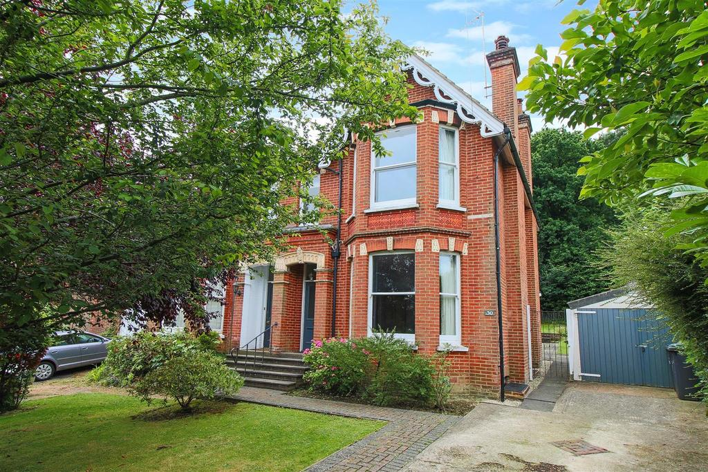 4 Bedrooms Semi Detached House for sale in Sydney Road, Haywards Heath