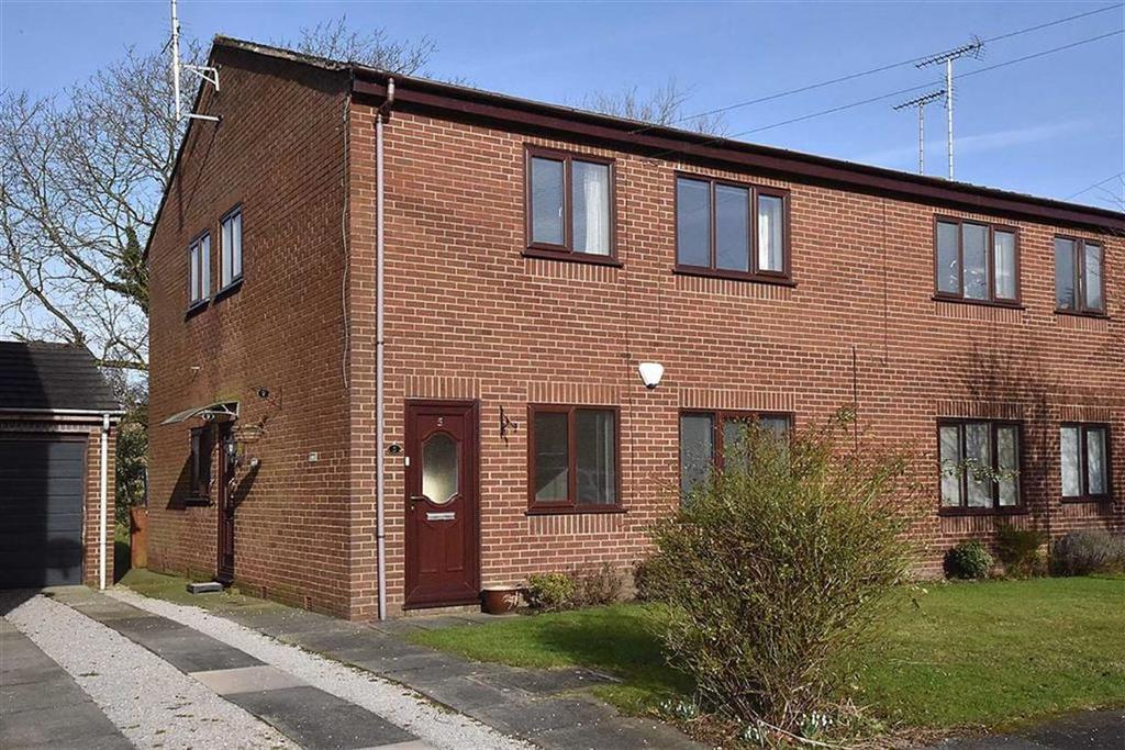 2 Bedrooms Apartment Flat for sale in Riverbank Close, Bollington, Macclesfield
