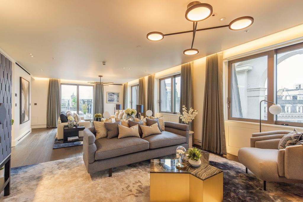 4 Bedrooms Flat for sale in Cockspur Street, London. SW1Y