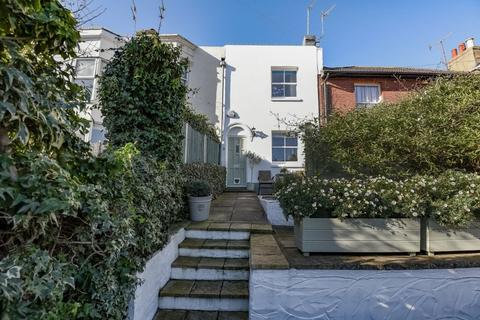 2 bedroom terraced house for sale - North Gardens Brighton East Sussex BN1