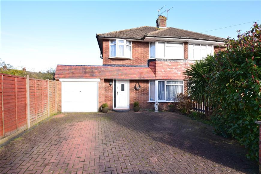 3 Bedrooms Semi Detached House for sale in Prinsted Crescent, Farlington, Portsmouth, Hampshire