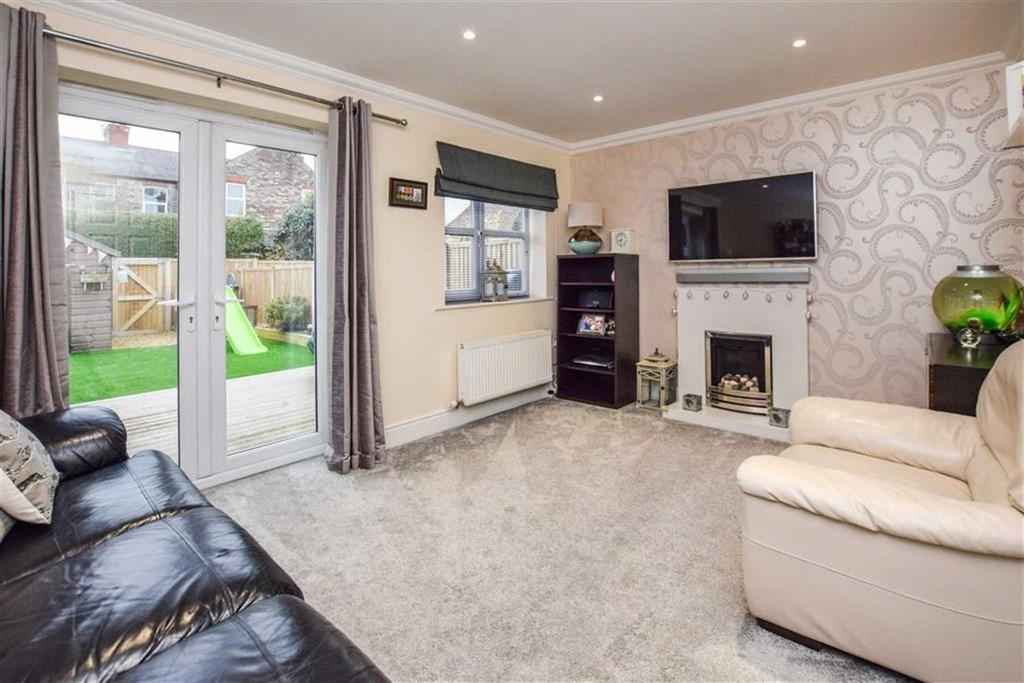 4 Bedrooms Town House for sale in Greenbank Road, Sale, Cheshire, M33
