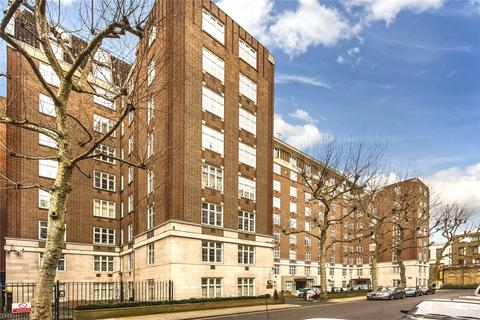 3 bedroom flat for sale - Chesterfield House, Chesterfield Gardens, London