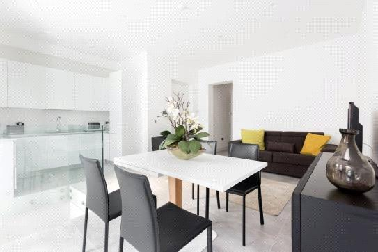 3 Bedrooms Flat for sale in The York, York Buildings