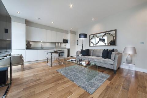 3 bedroom flat for sale - Elgin Avenue, London