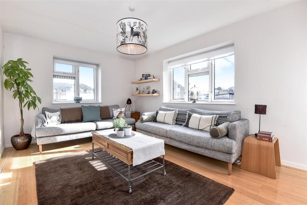 3 Bedrooms House for sale in Little St. Leonards, East Sheen