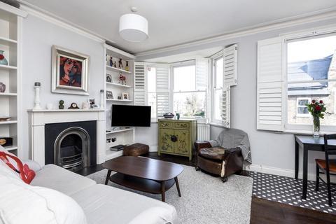 3 bedroom flat for sale - Steerforth Street, Earlsfield
