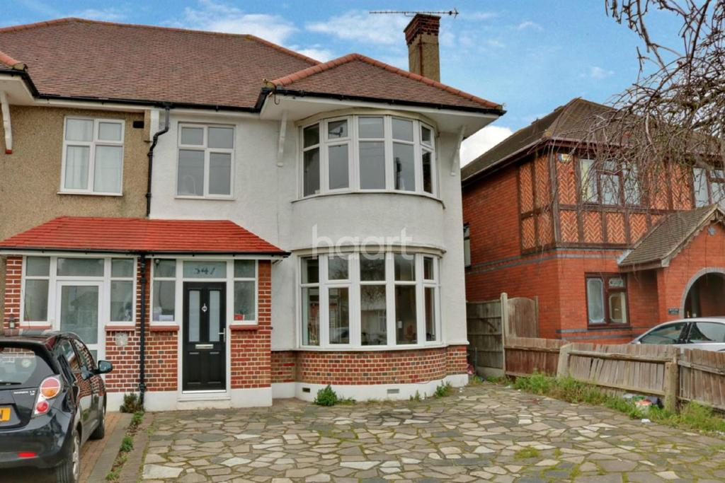 3 Bedrooms Semi Detached House for sale in Woodgrange Drive, Thorpe Bay