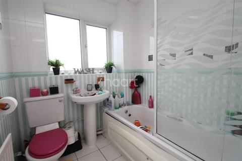 2 bedroom detached house to rent - Kelburn Close