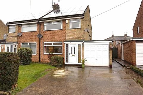 3 bedroom semi-detached house for sale - Astral Close, Hessle, Hessle, HU13