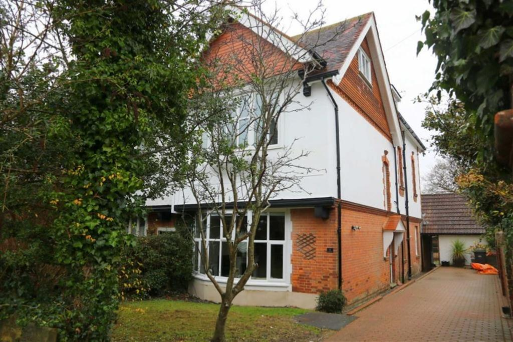 4 Bedrooms End Of Terrace House for sale in Branksome Road, St Leonards On Sea