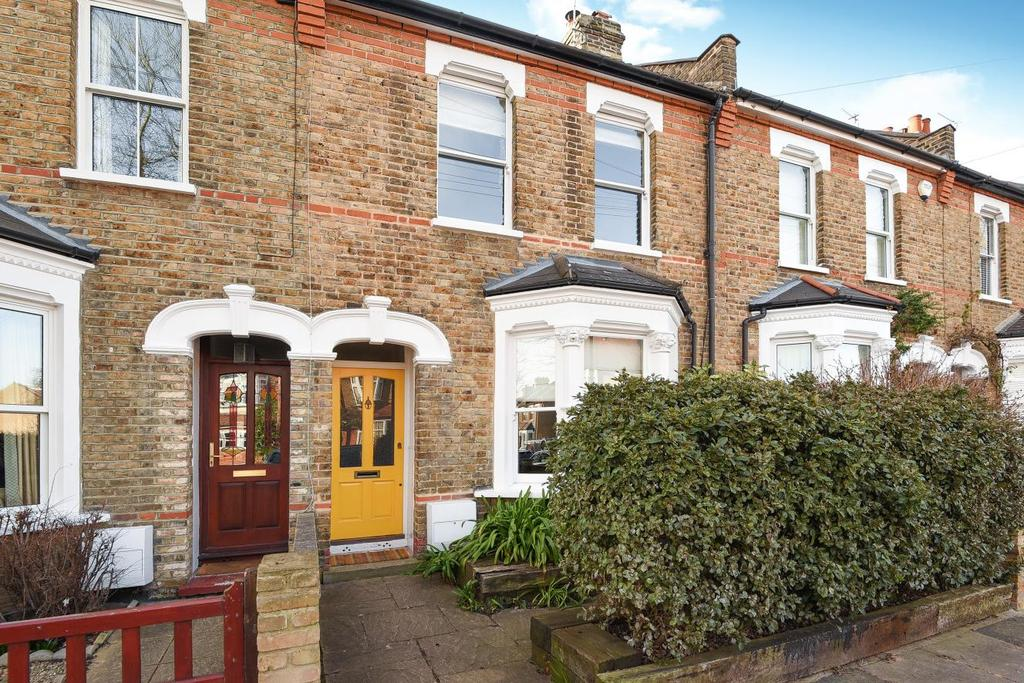 4 Bedrooms Terraced House for sale in Heene Road, Enfield