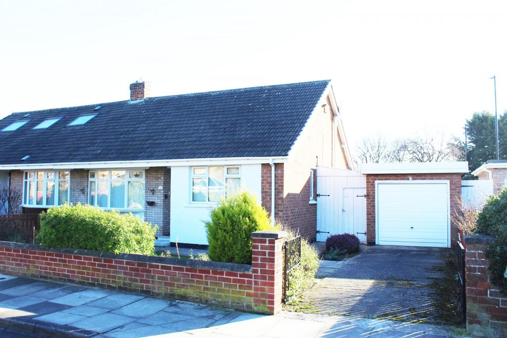 2 Bedrooms Bungalow for sale in Raven Lane, Crooks Barn, Norton, TS20