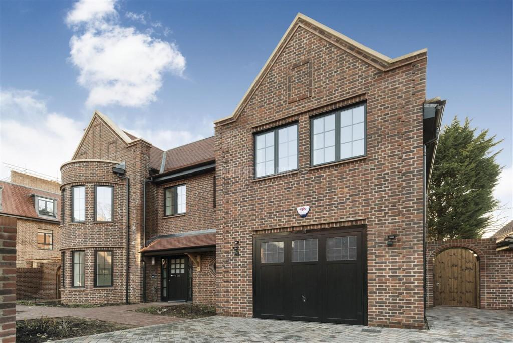 5 Bedrooms Detached House for sale in Chandos Way, Hampstead Garden Suburb / Golders Hill Park