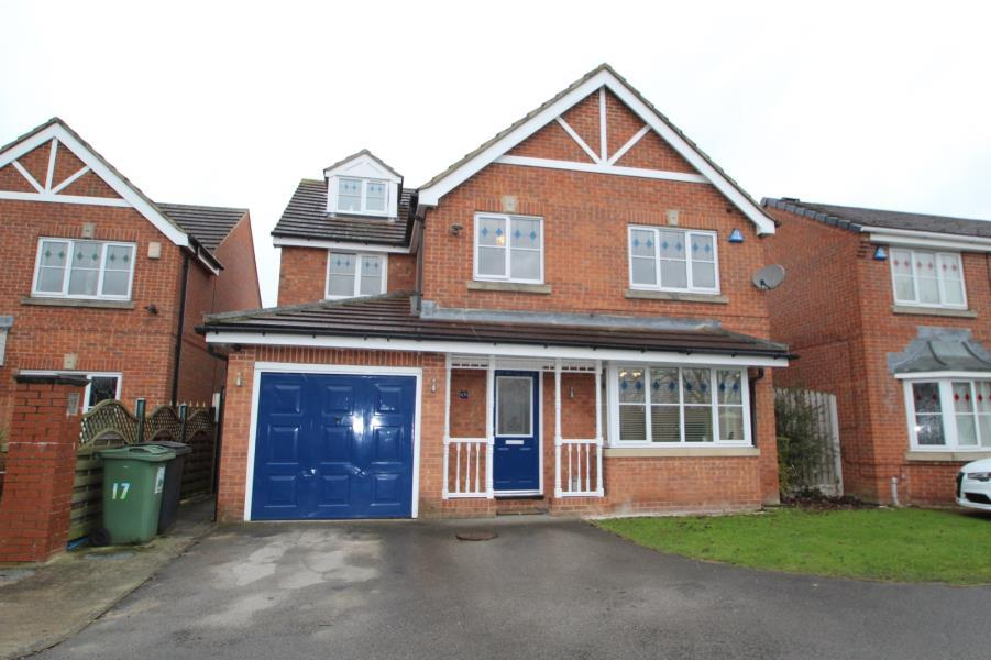 5 Bedrooms Detached House for sale in BRAMHAM PARK COURT, LEEDS, LS10 4UL