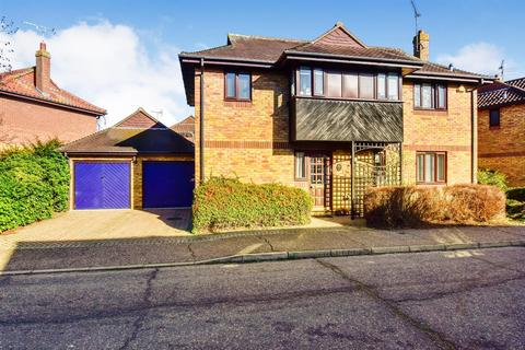 4 bedroom detached house for sale - Pintolls, South Woodham Ferrers