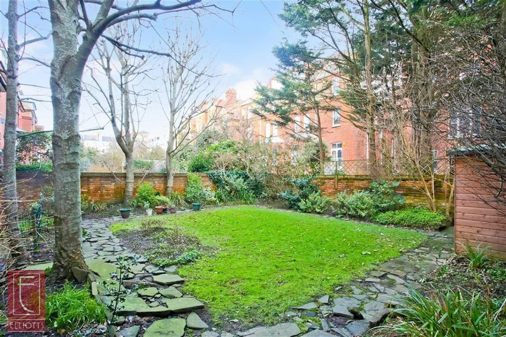 2 Bedrooms Apartment Flat for sale in Fourth Avenue, Hove, East Sussex