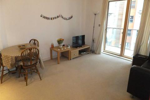1 bedroom flat to rent - Barton Place, 3 Hornbeam Way, Greenquarter