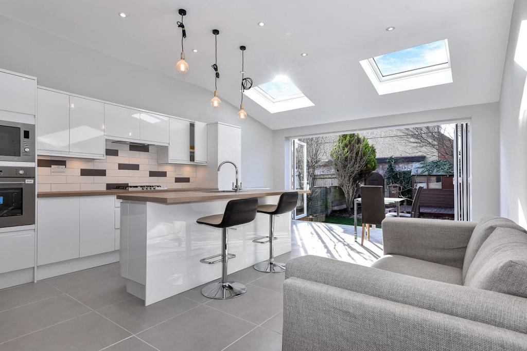 4 Bedrooms Terraced House for sale in Lower Downs Road, Wimbledon