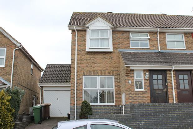 3 Bedrooms Semi Detached House for sale in Pomeroy Grove, Luton, LU2
