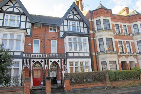2 bedroom apartment to rent - Ashleigh Road, Leicester