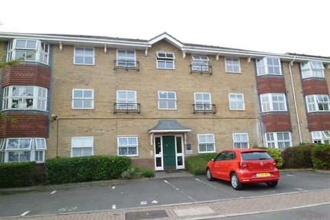 2 bedroom flat to rent - The Rowans, Leigh On Sea, Essex