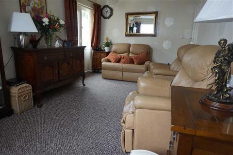 2 bedroom detached bungalow for sale - Heol Pen Y Scallen, Swansea, SA4