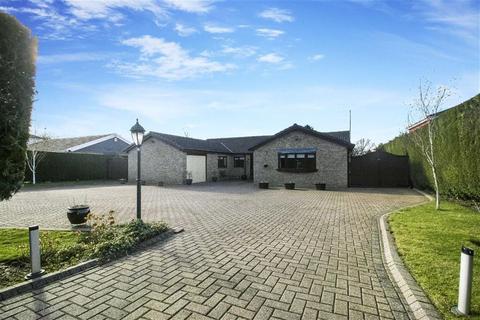 6 bedroom bungalow for sale - Parklands, Darras Hall, Nothrumberland