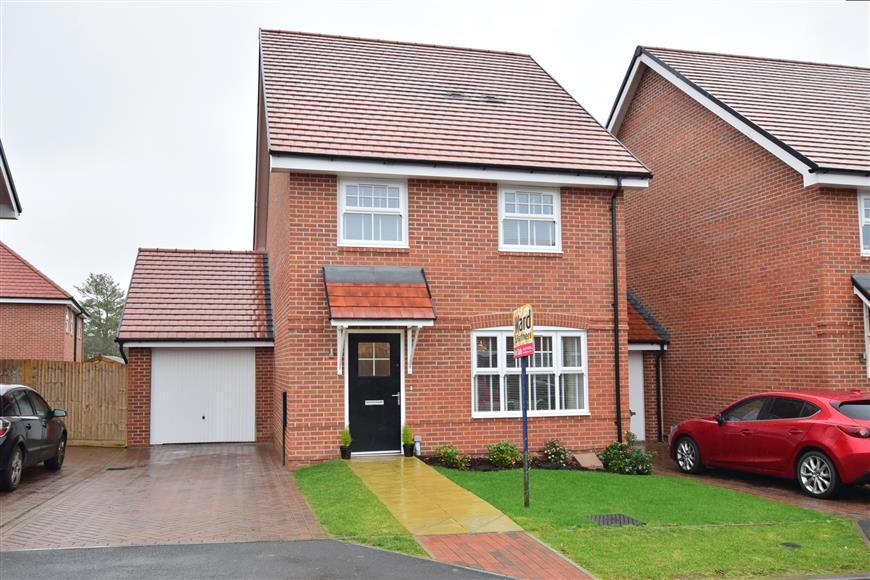 4 Bedrooms Detached House for sale in The Bartons, Staplehurst, Kent