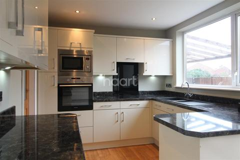 5 bedroom semi-detached house to rent - Dane Hill
