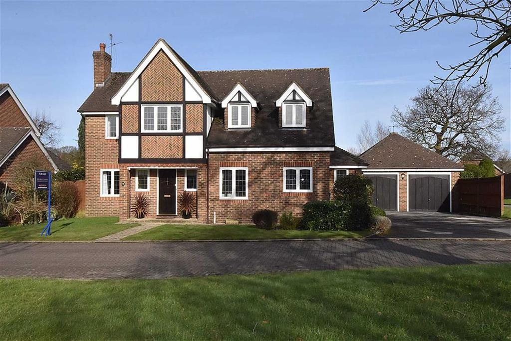 5 Bedrooms Detached House for sale in Weybridge Drive, Tytherington, Macclesfield
