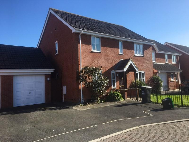 4 Bedrooms Detached House for sale in Aldwych Close, Burnham-On-Sea