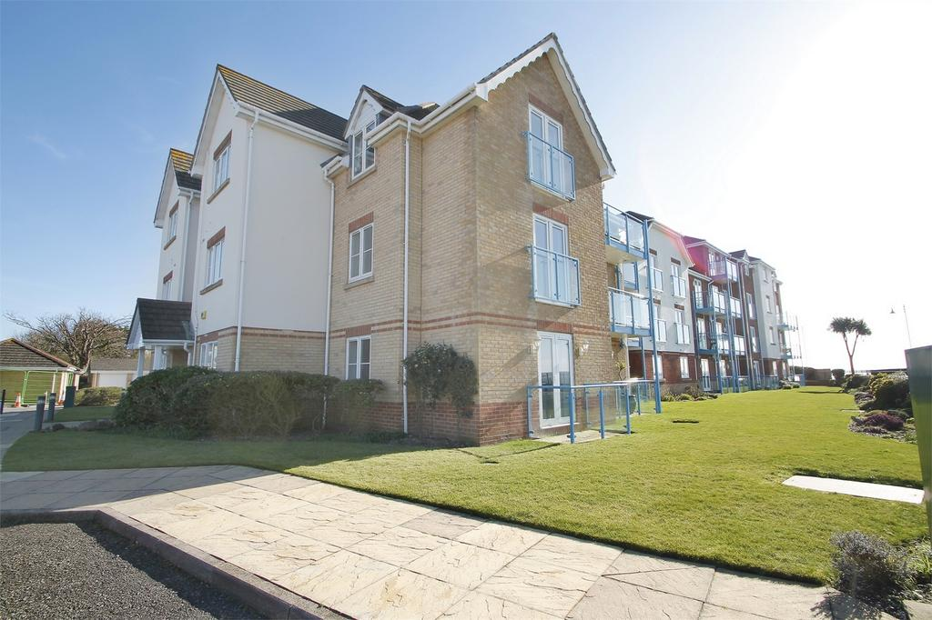 2 Bedrooms Flat for sale in Ross House, Lee-on-the-Solent, Hampshire
