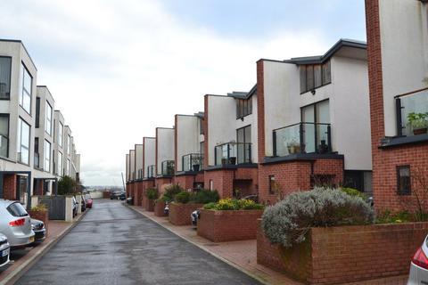 3 bedroom property to rent - Old School Lane, Cliftonwood