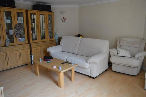 1 bedroom flat for sale - Sussex Keep , Sussex Close, Slough, Berkshire. SL1 1NY