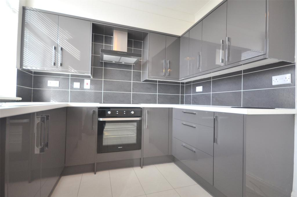2 Bedrooms Semi Detached House for rent in Low Fell