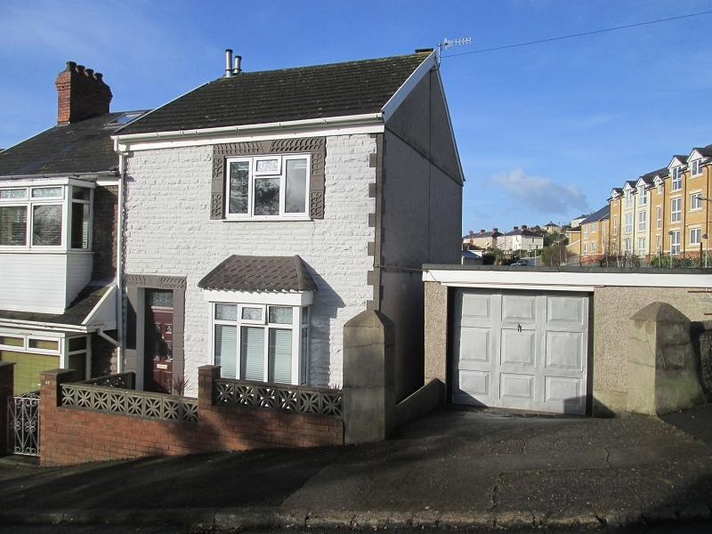 3 Bedrooms End Of Terrace House for sale in Margaret Terrace, St. Thomas, Swansea, City And County of Swansea.