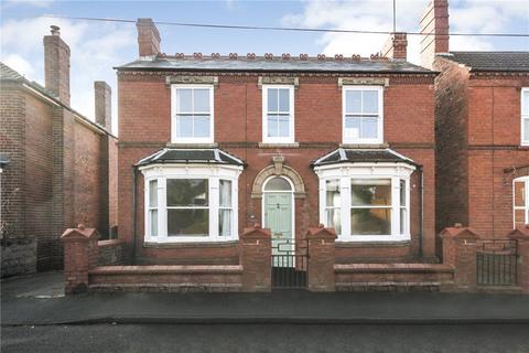 3 bedroom detached house for sale - Monument Avenue, Stourbridge, West Midlands, DY9