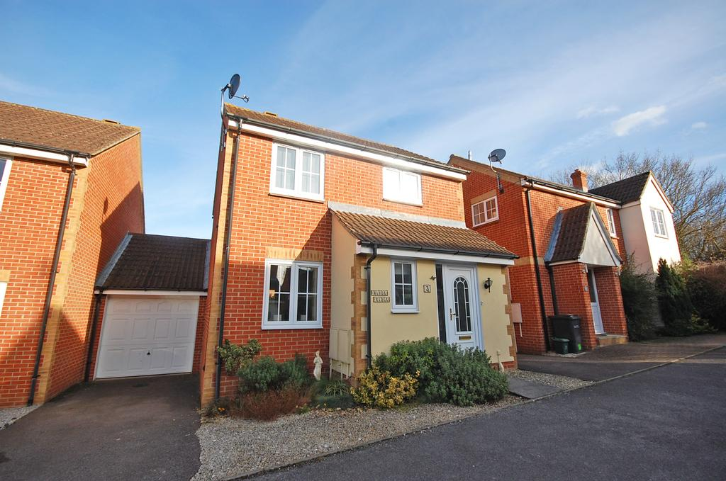 3 Bedrooms Detached House for sale in Brimstone Court, Braintree, CM7