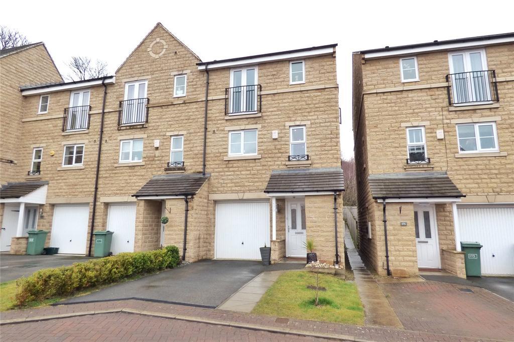 4 Bedrooms Terraced House for sale in Hanby Close, Fenay Bridge, Huddersfield, West Yorkshire, HD8