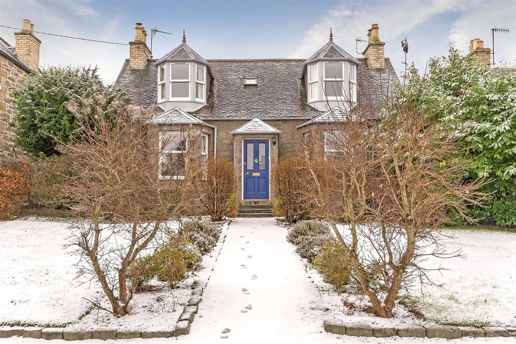 3 Bedrooms Detached House for sale in 9 Queens Road, Scone, Perth, PH2