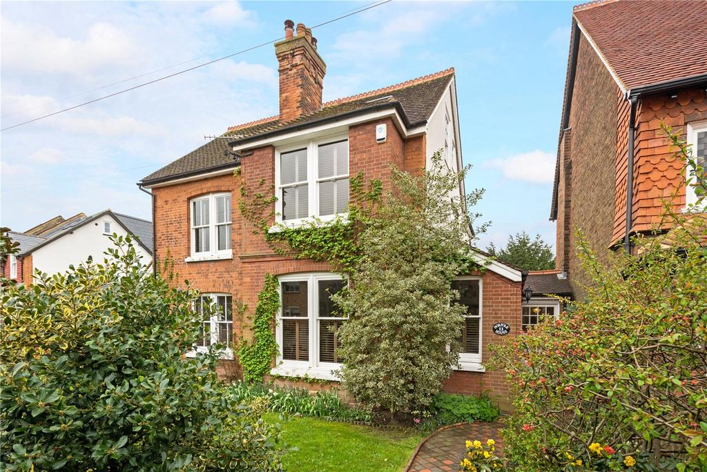 5 Bedrooms Detached House for sale in Beaufort Road, Reigate, Surrey, RH2