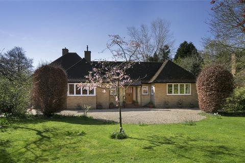3 bedroom detached bungalow for sale - Woodstock Close, Oxford, OX2
