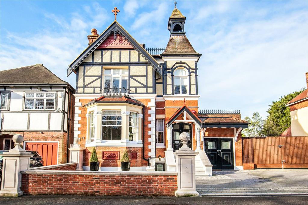 4 Bedrooms Unique Property for sale in Crescent Road, London, E4