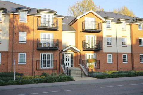 2 bedroom flat to rent - Stephens Court, Station Road, Harpenden, AL5 4FE